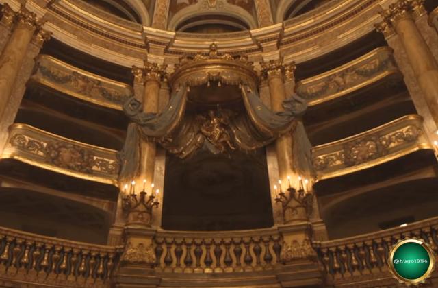 01.-Reggia-di-Caserta-interior-escenario-parte-alta.png