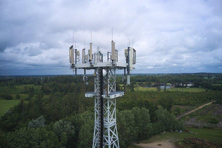 1280px-2019-07-21_-_Vodafone_5G_Standort_Hattstedt1.jpg