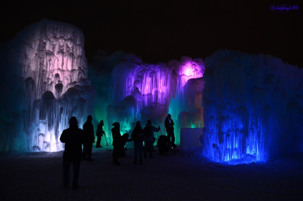 icecastle4.jpg