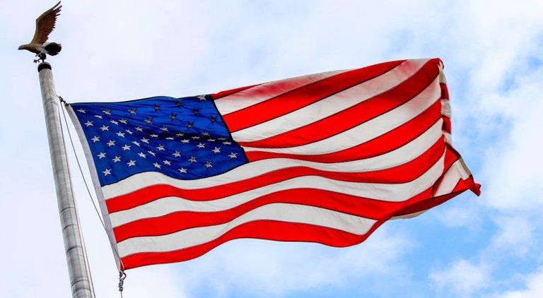 flag_small.jpg