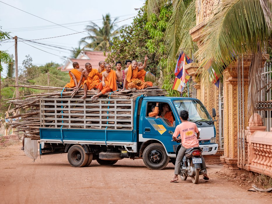 A delivery of monks ;-)