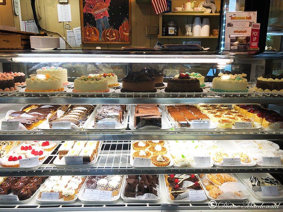 Bake Shoppe cakes.jpg