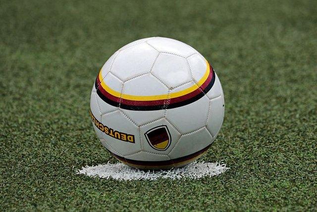 football-3471371__480.jpg