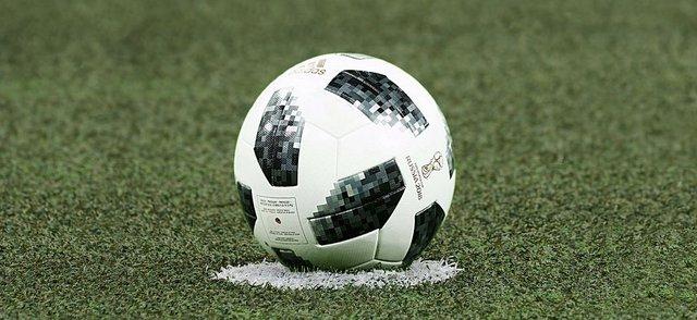 football-3475163__480.jpg