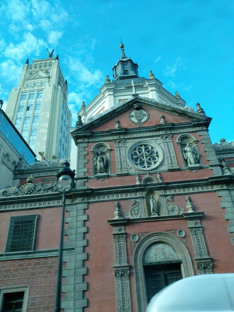 beautiful building2.jpg