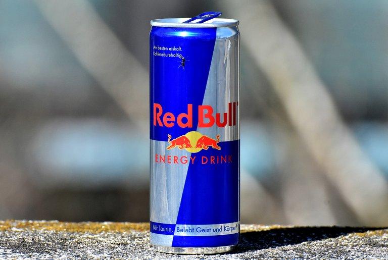 red-bull-3301415_1920.jpg