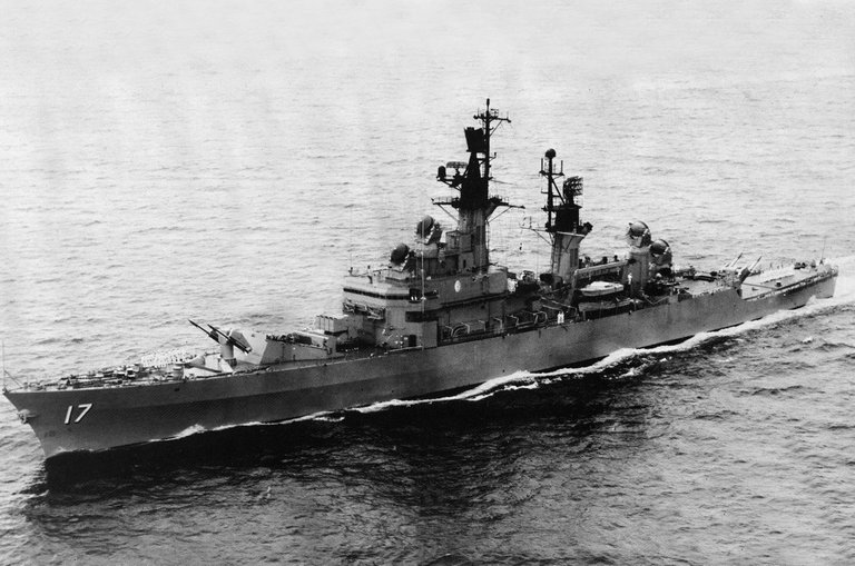 USS Harry E. Yarnell in 1967.jpg
