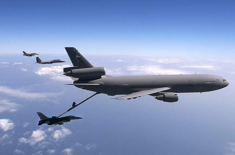 McDonnell Douglas KC10 Extender.jpg