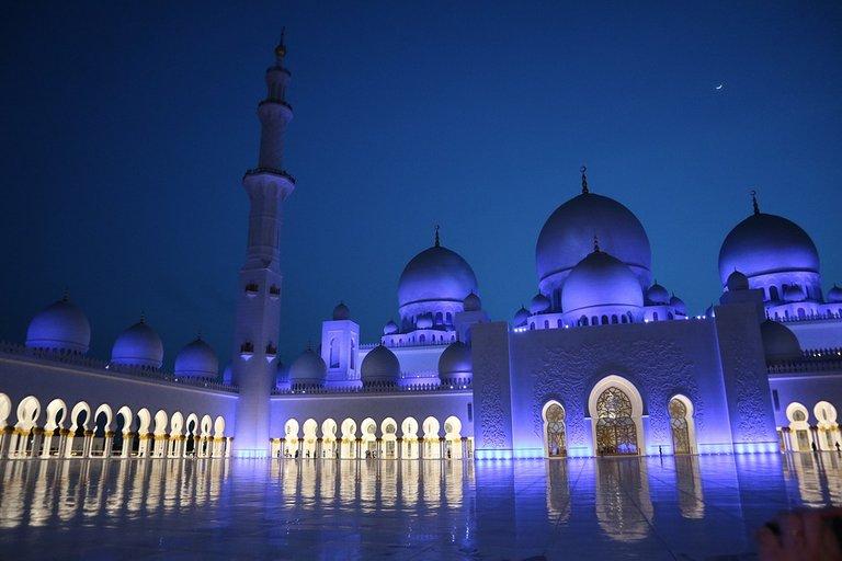abu_dhabi_4604499_960_720.jpg