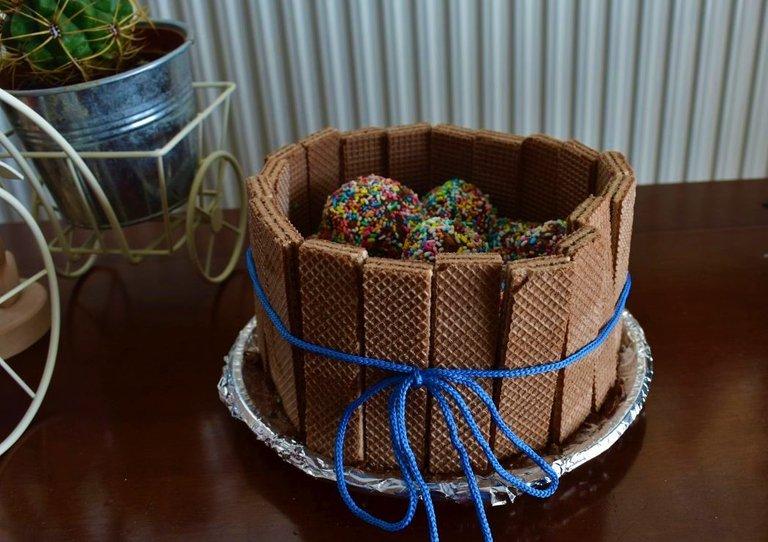 ruth-girl truffle cake (5).JPG