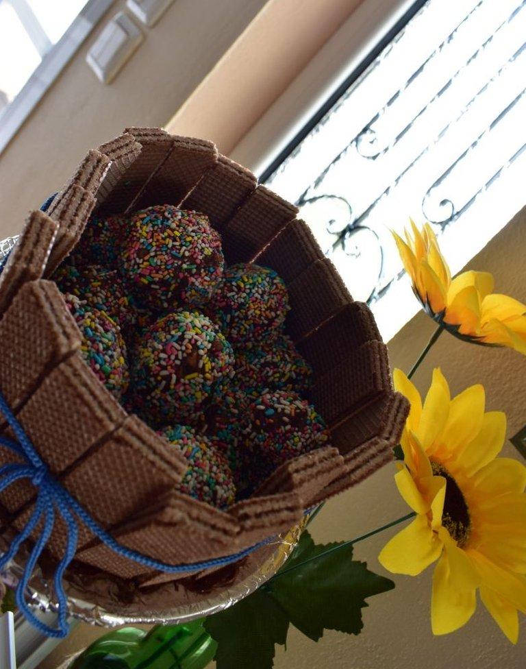 ruth-girl truffle cake (7).JPG