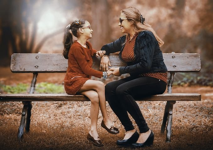mother-and-daughter-3281388__480.jpg