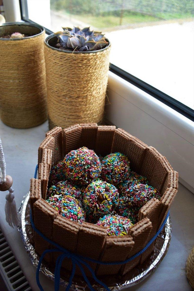 ruth-girl truffle cake (3).JPG