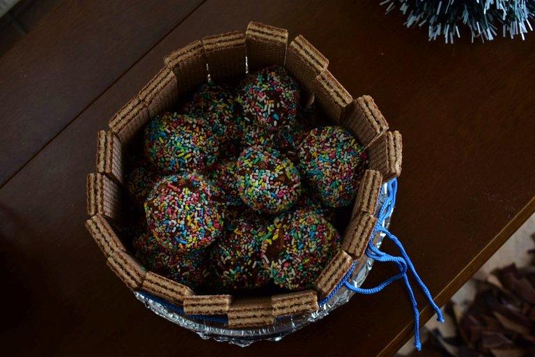 ruth-girl truffle cake (4).JPG