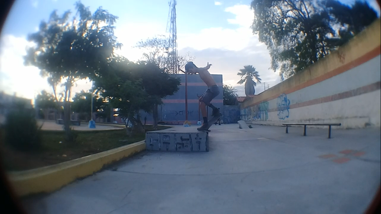 fs crooked.png