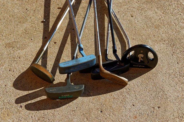golf-putters-967487_960_720.jpg