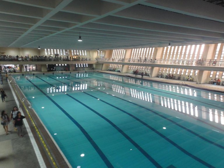 Olympic-sized_swimming_pool_(philippine_science_hs,_agham_road,_quezon_city)(2016-10-22).jpg