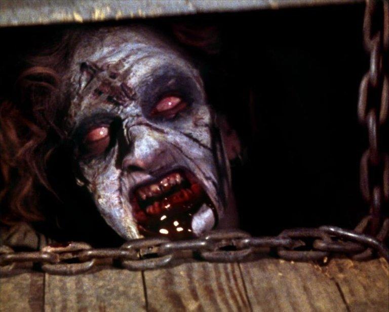 1118full-the-evil-dead-(1981)-screenshot.jpg
