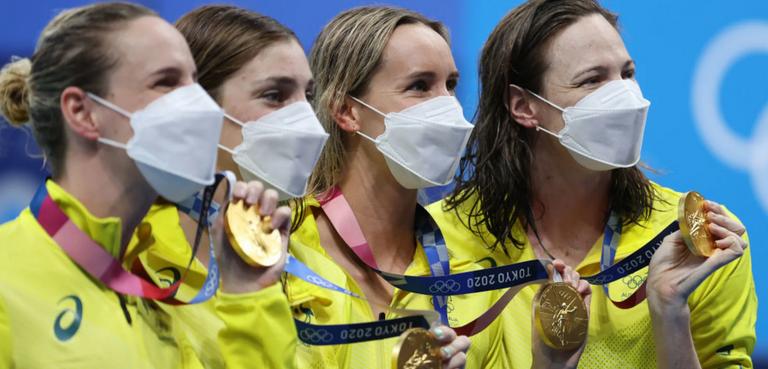 163.-Australia-natacion-Olimpiadas-relevos.png