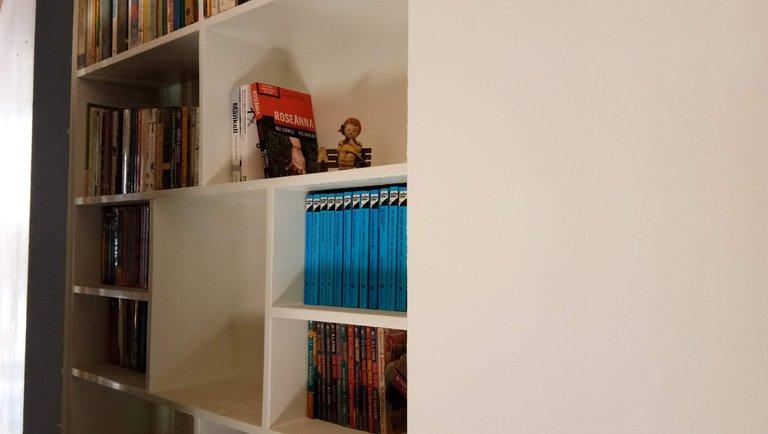 pinterest inspired bookshelf 2.jpg