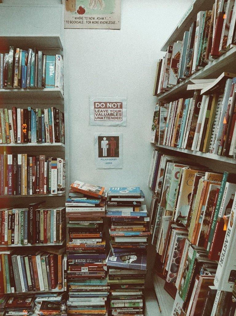 used bookstore in cebu.jpg
