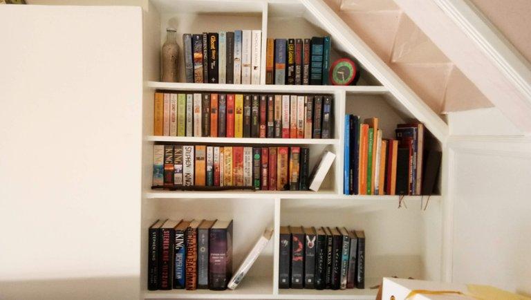 pinterest inspired bookshelf 1.jpg