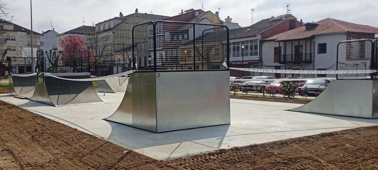 Side view of Skatepark