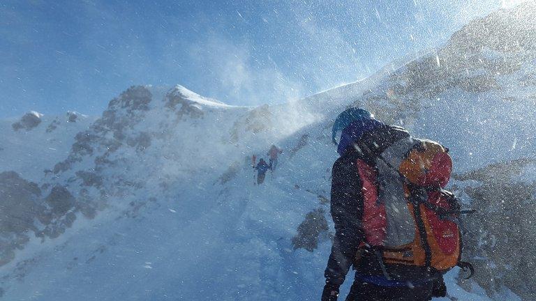 mountaineer2080138_1280.jpg