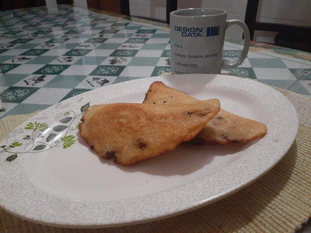 empanadas_con_cafe.jpg