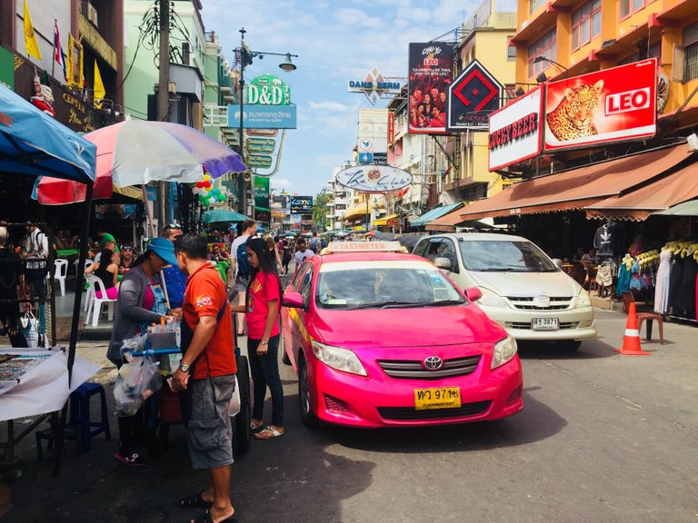 Pink Taxis, massages and insects on the Khao San Road