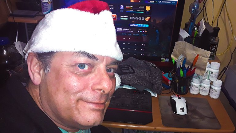 splinterlands, decisions, gaming, community, holidays, christmas, stimulus, santa hat, choices, life, hallmark, dtube, steem, streemie, video, gaming video, jeronimorubio, jeronimo rubio (216).jpg