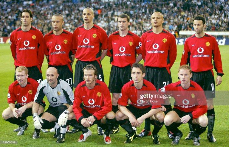 11 Manchester United 8 de April 2003 https://www.gettyimages.es/detail/fotograf%C3%ADa-de-noticias/champions-league-02-03-viertelfinale-madrid-fotograf%C3%ADa-de-noticias/52905557?adppopup=true