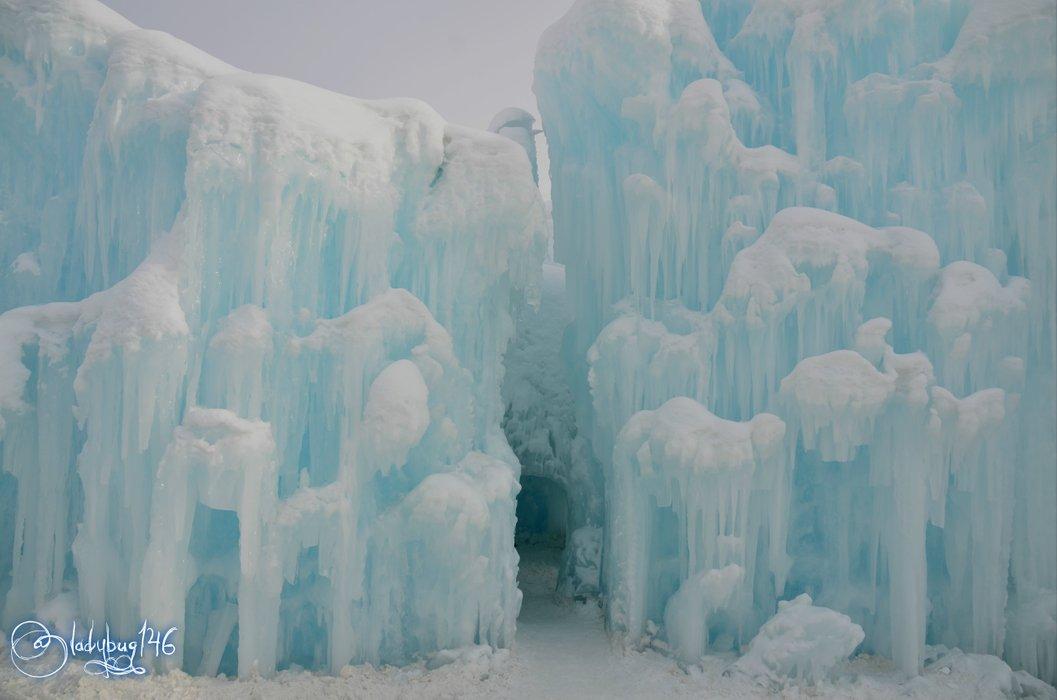 ice castle2.jpg
