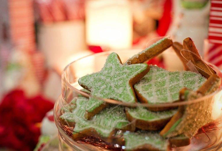 christmascookies2918172_1920.jpg