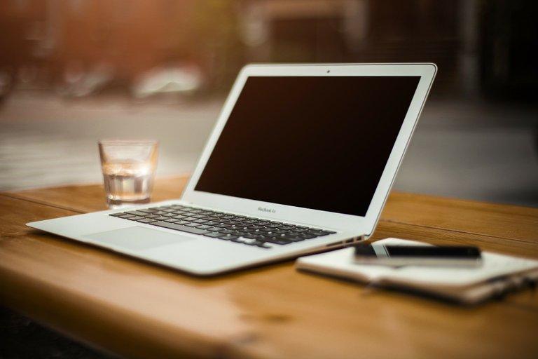 laptop-336373_1920.jpg