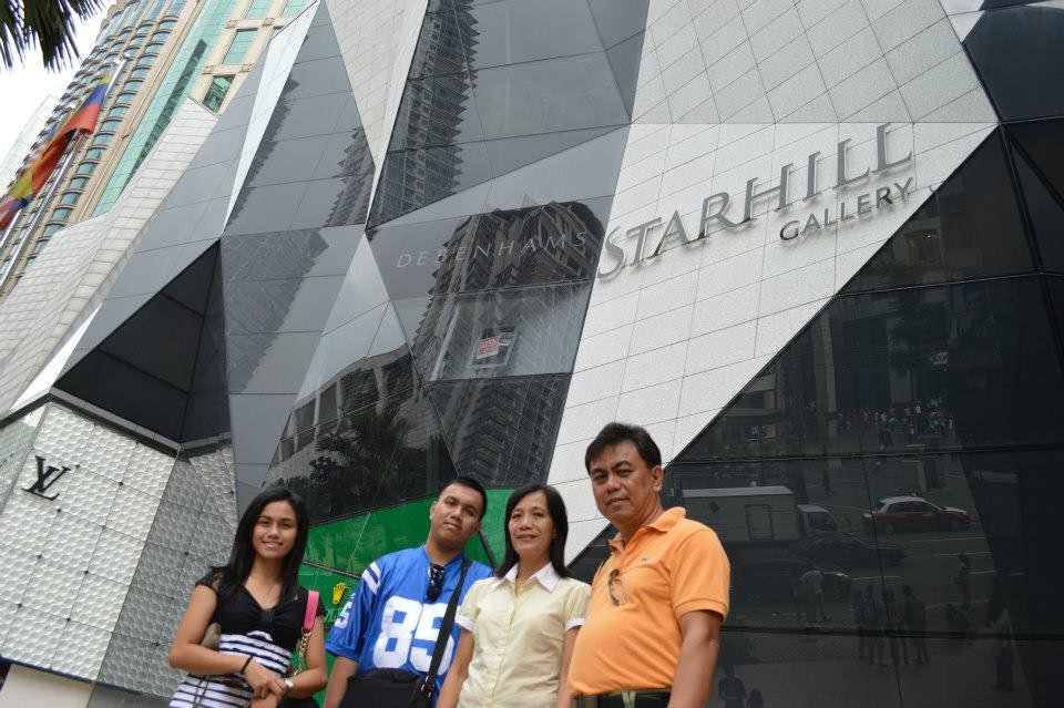 Taking a picture at the Starhill Gallery Kuala Lumpur