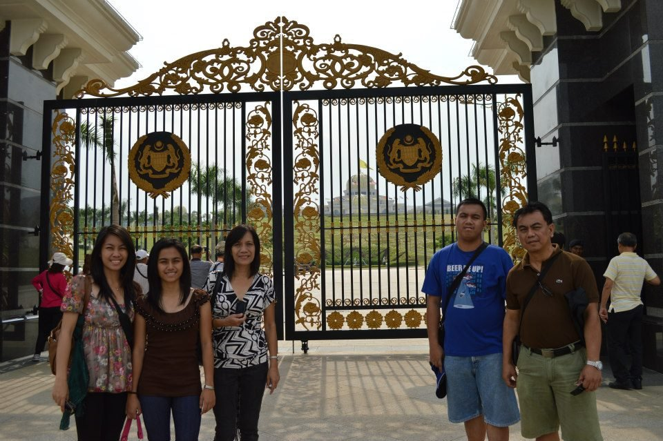 Taking a pic outside of the Istana Negara, the National Palace of Malaysia