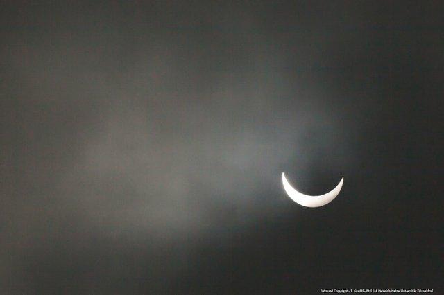 Sonnenfinsternis Düsseldorf 20 März 2015 Copyright.jpg