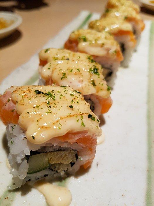 Salmon Mentai Roll02.jpg