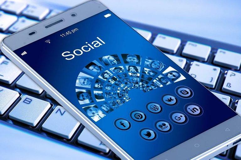 mobile_phone_1917737_960_720.jpg