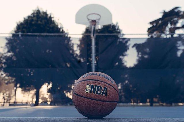 nba-basket-ball-hoop-dribbble.jpg