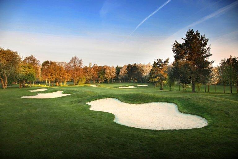 kingswood-golf-country-club-1.jpg