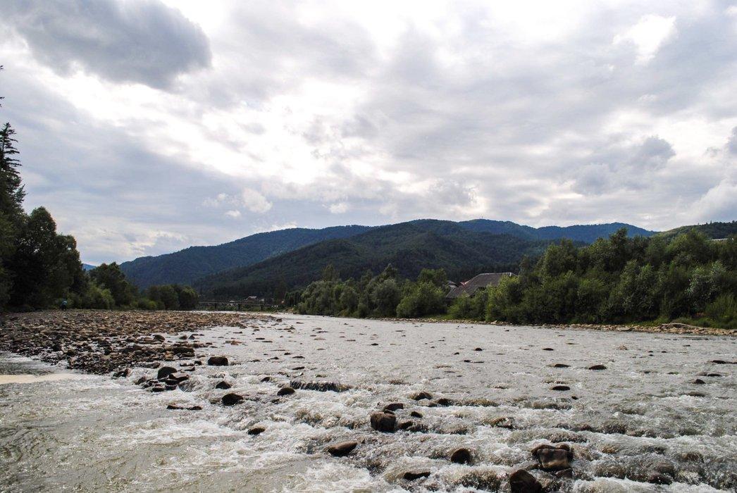 River Opir