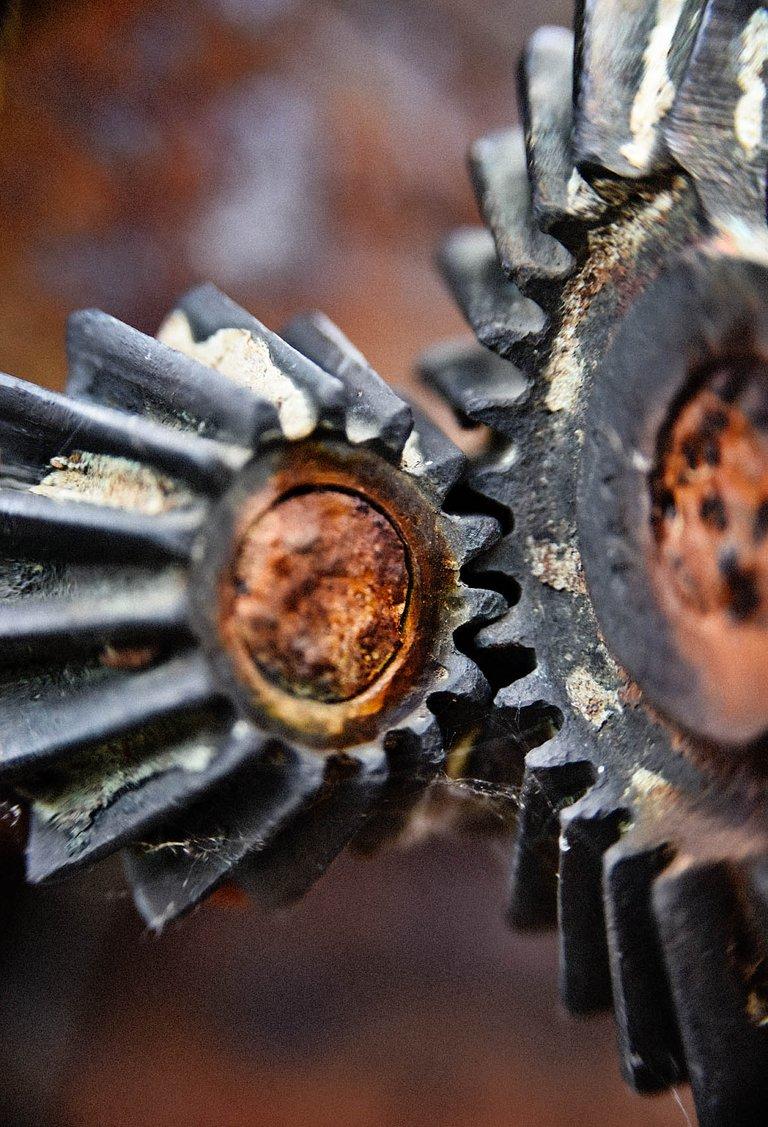 gears1.jpg