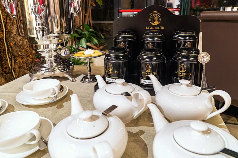 Like in every port town, tea is an important part of the culture.