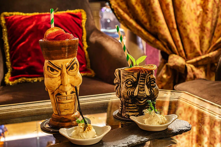 Our welcome drinks were presented in admirable tiki glasses.