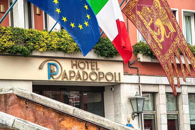 Welcome to Hotel Papadopoli, Venice.