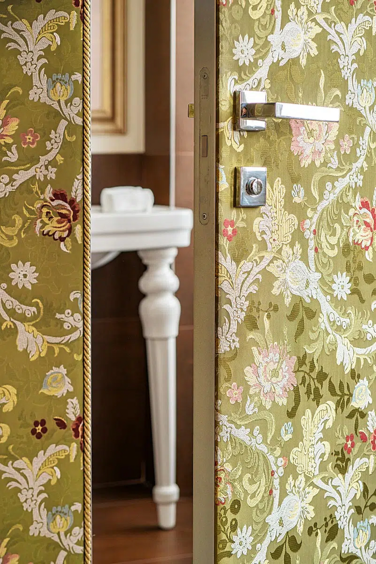 Textile wallpapers are also on the doors.