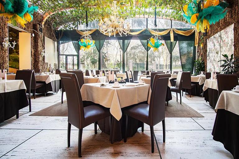 Restaurant Giardino D'Inverno was designed by famous Pietro Porcinai