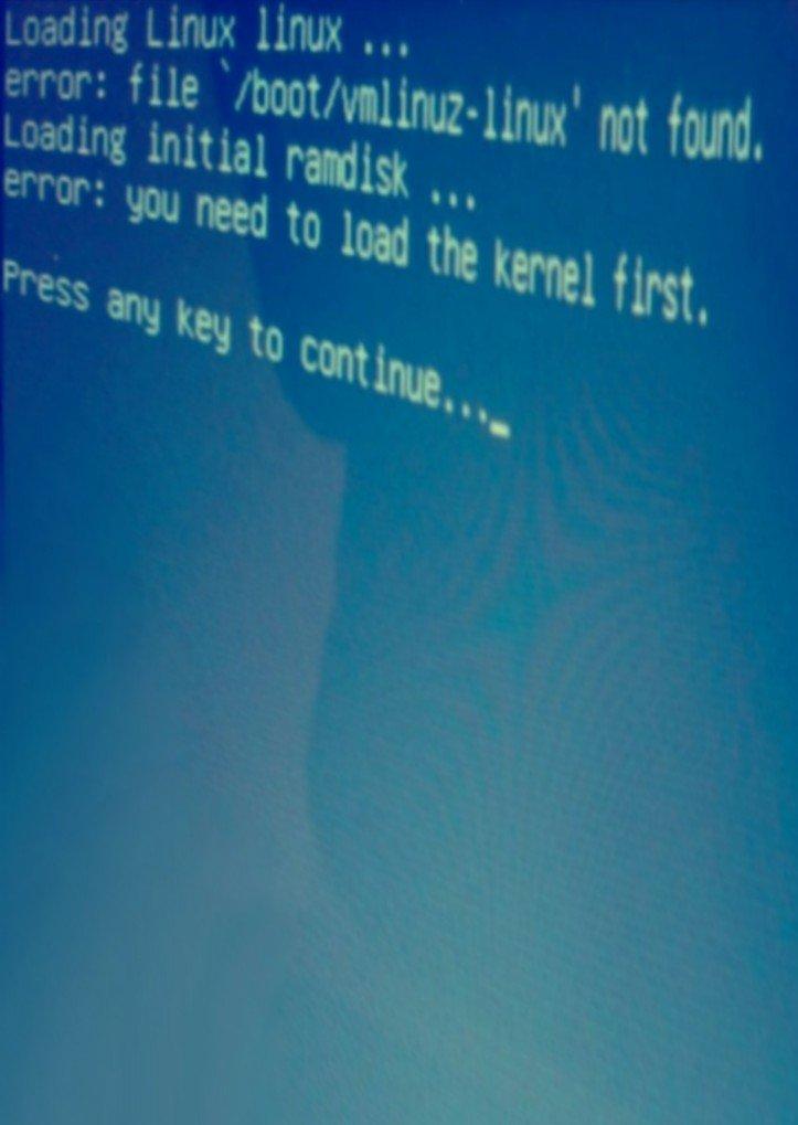 Linux Kernel Error on Kneebone's Laptop